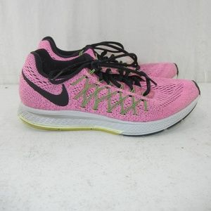 d4450aa54c64 Women s Nike Pink Black Running Shoes on Poshmark